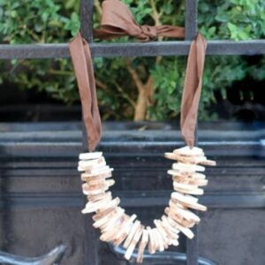 anthropologie inspired necklace tutorial