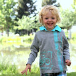 how to make a distressed stenciled shirt