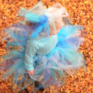 how to make a fluffy, fabulous, no-sew tutu (aka 'ocean costume')