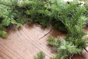 free and easy christmas wreath tutorial