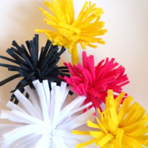 felt flower tutorial by kojodesigns