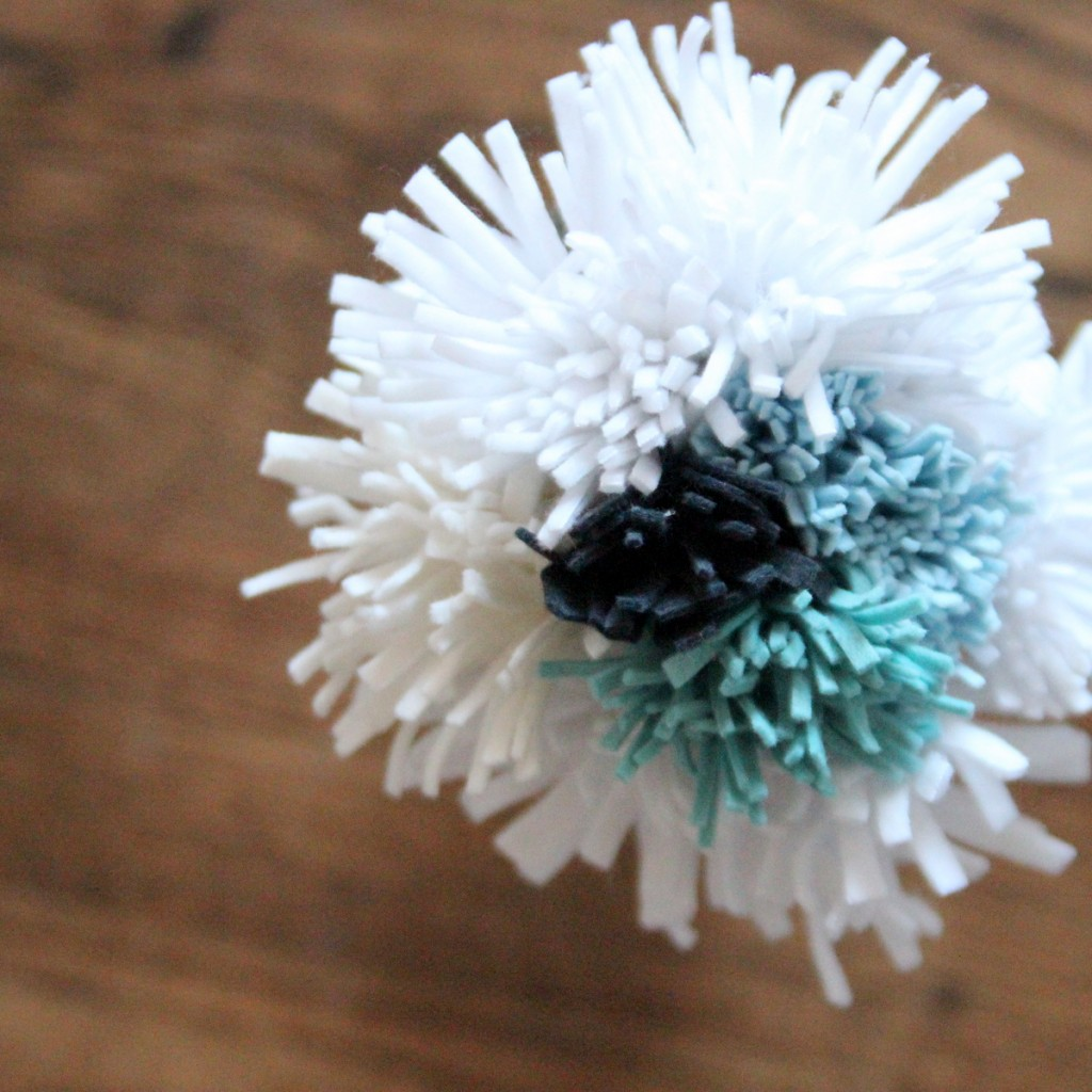 how to make felt mums, a felt flower tutorial
