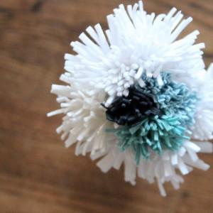 how to make felt mums, a felt flower tutorial