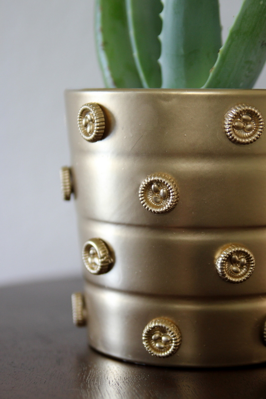 how to make an embellished gold planter