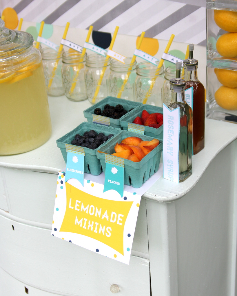 lemonade bar drink buffet