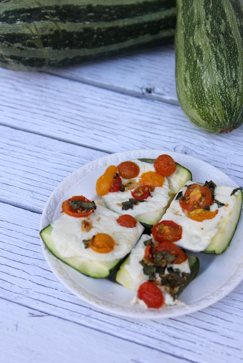 caprese zucchini boat recipe