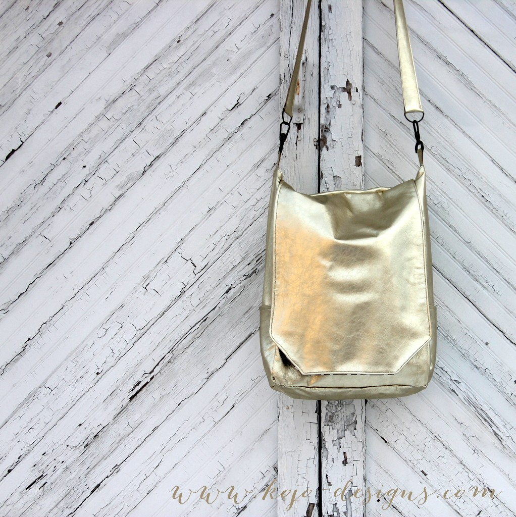 the golden satchel- a leather tote and a giveaway