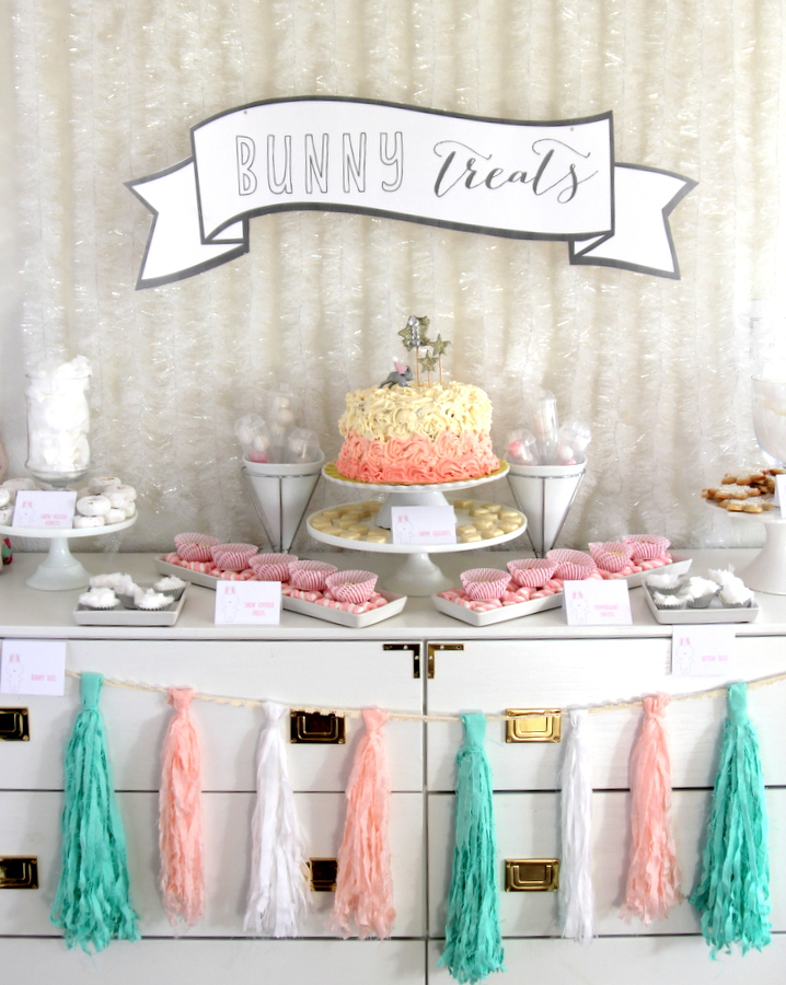 snow bunny themed first birthday party- tons of pretty birthday party ideas!