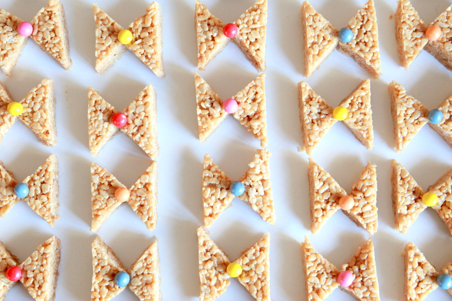 how to make bow shaped rice krispy treats