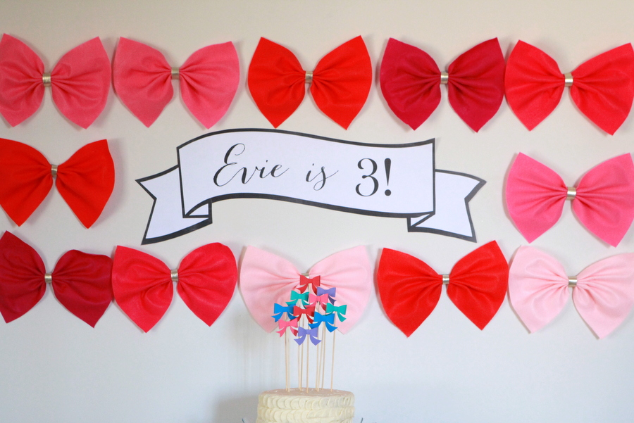 kid's birthday party decor- a bow-themed bow-tique