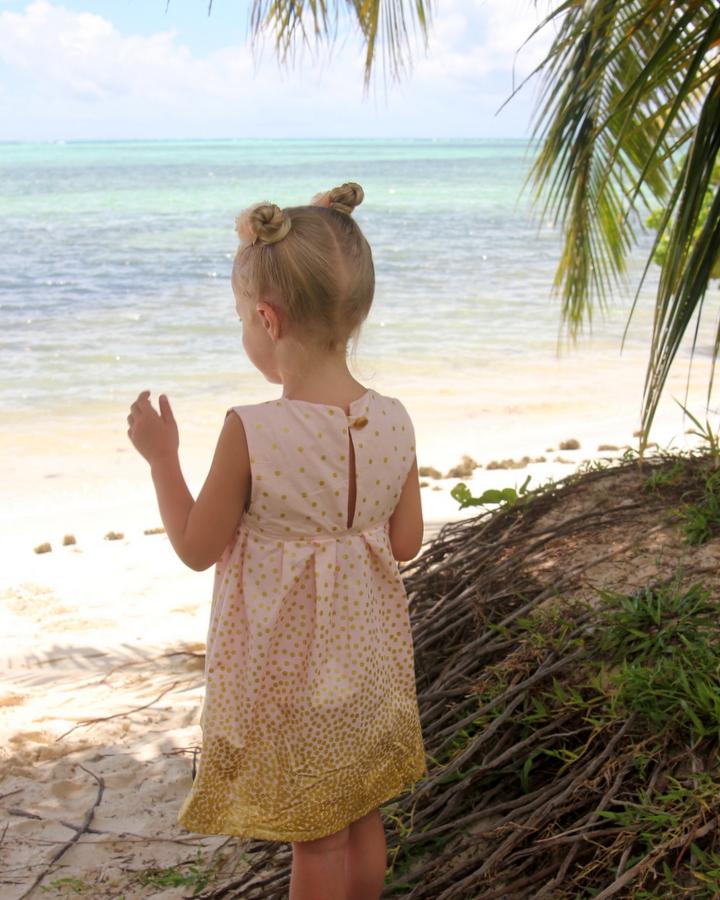 little girl's sparkle dress tutorial