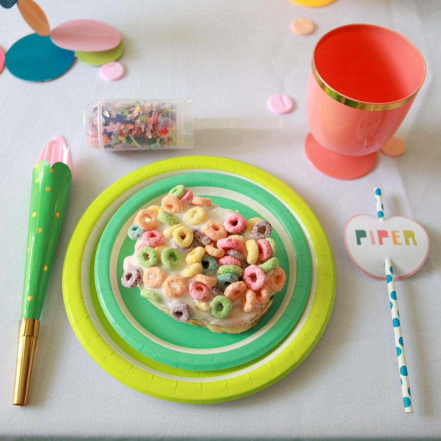 confetti party place setting