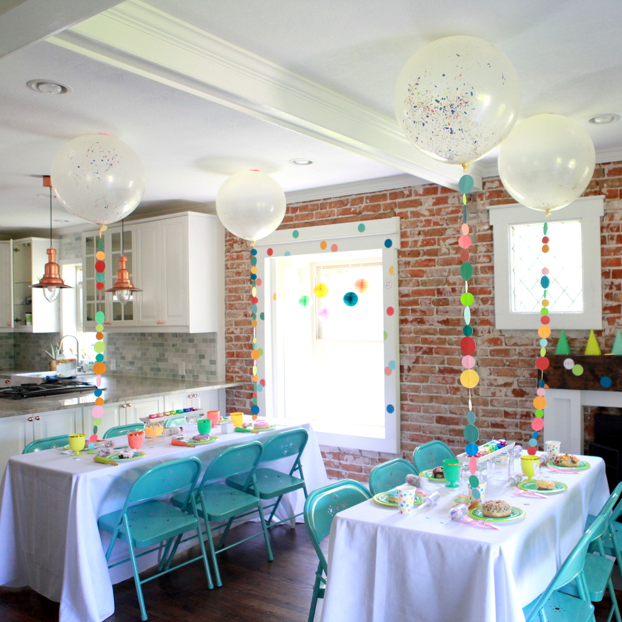 confetti party decor