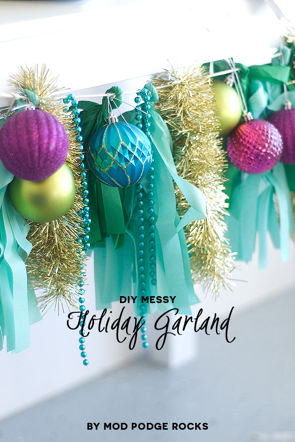 Season to sparkle party hop- love this sparkly holiday garland