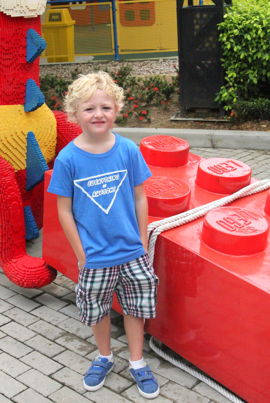 DIY 'everything is awesome' Lego shirt (with free printable template)