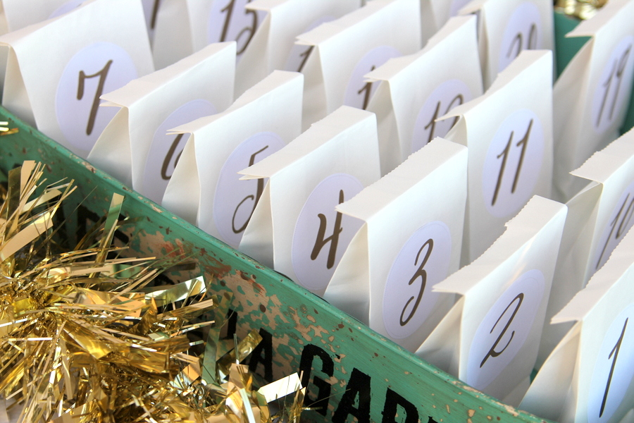 simple advent calendar countdown (so easy to put together- just paper bags, these free printable labels, and a tray)
