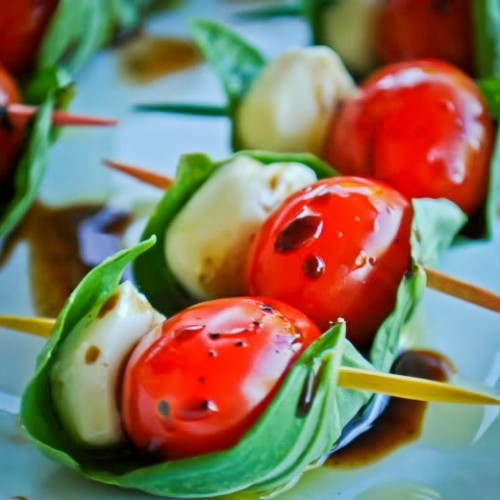 mozzarella, cherry tomato and basil. caprese skewers