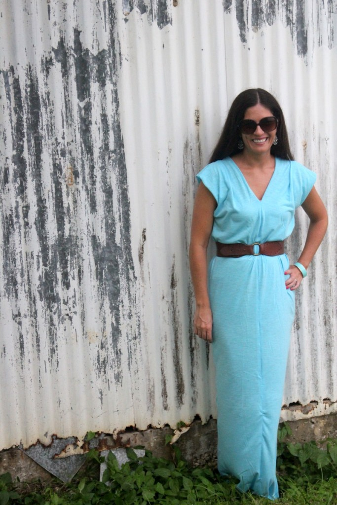 This maxi dress is the easiest sewing project ever- just four rectangles and a few lines of stitching!