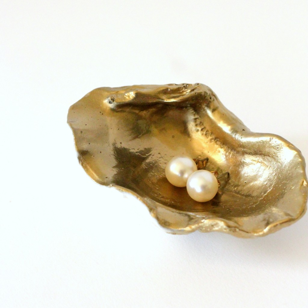 how to make a gilded shell jewelry holder