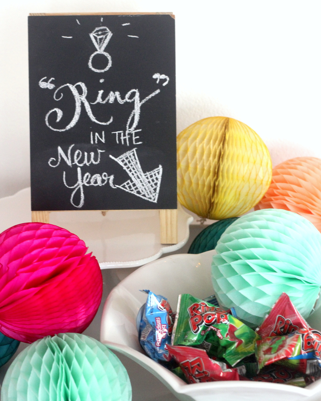 Put together a festive (and EASY!) New Year's Eve party with these ideas (including a Confetti Bar how-to!)