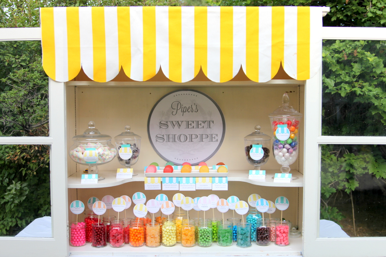 the very sweetest sweet shoppe (at a little girl's birthday party)