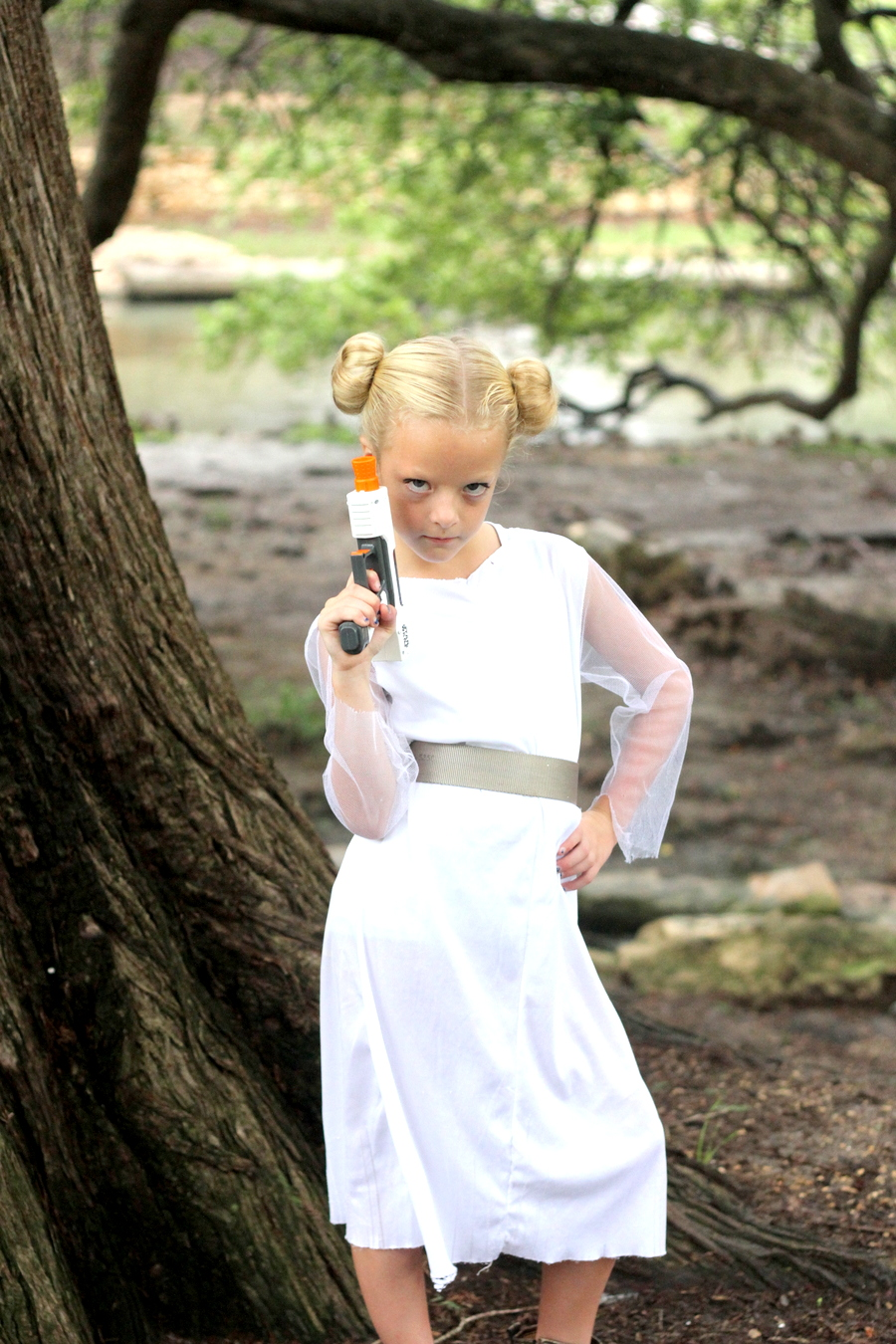 easy no sew star wars costumes- princess leia costume
