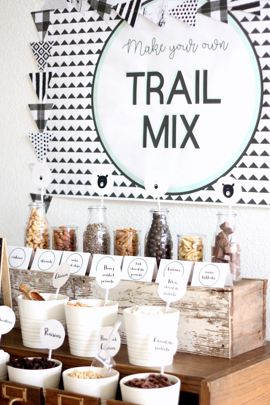 the best trail mix bar (with a list of ingredient ideas!)