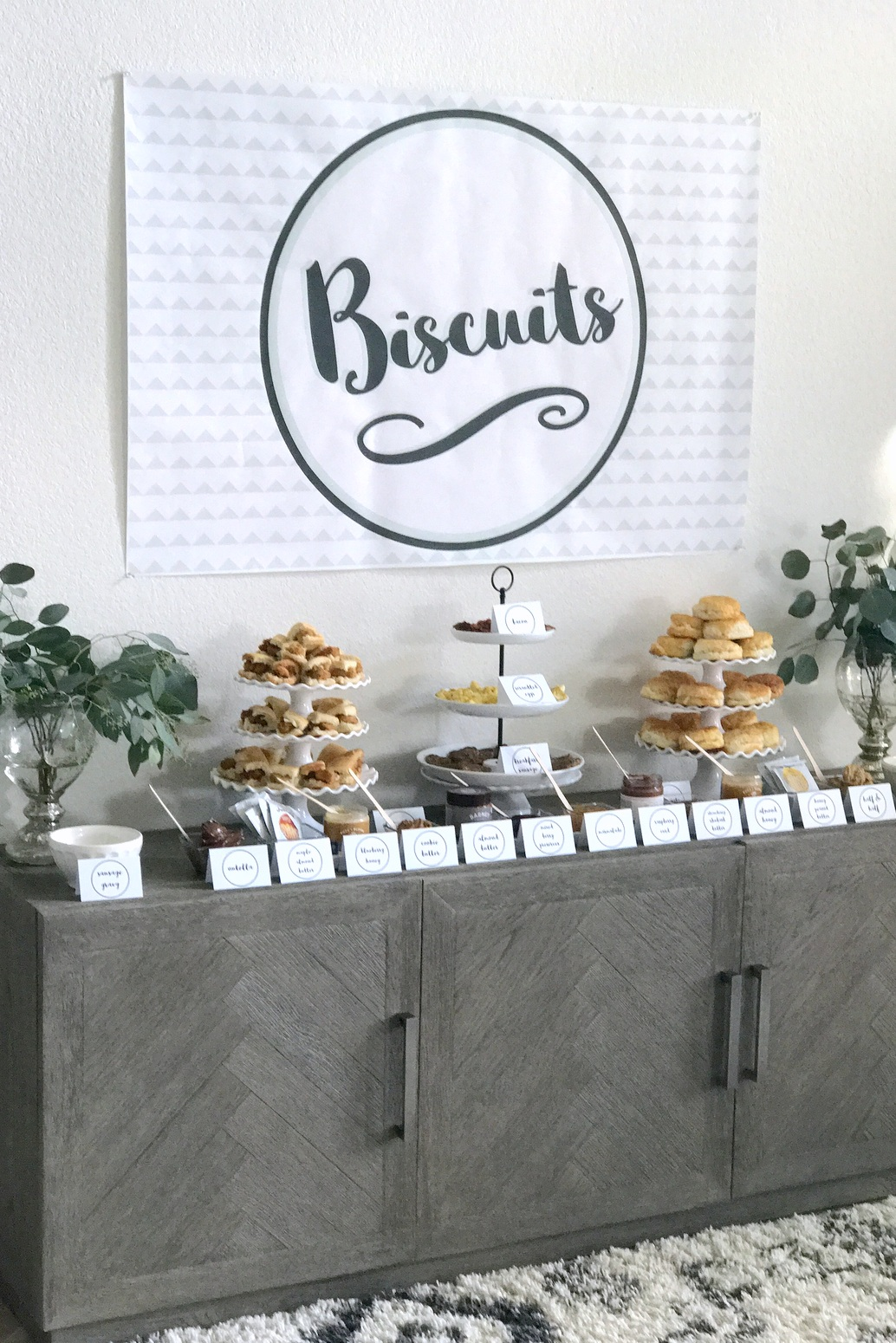mountain-y bear party- biscuit bar