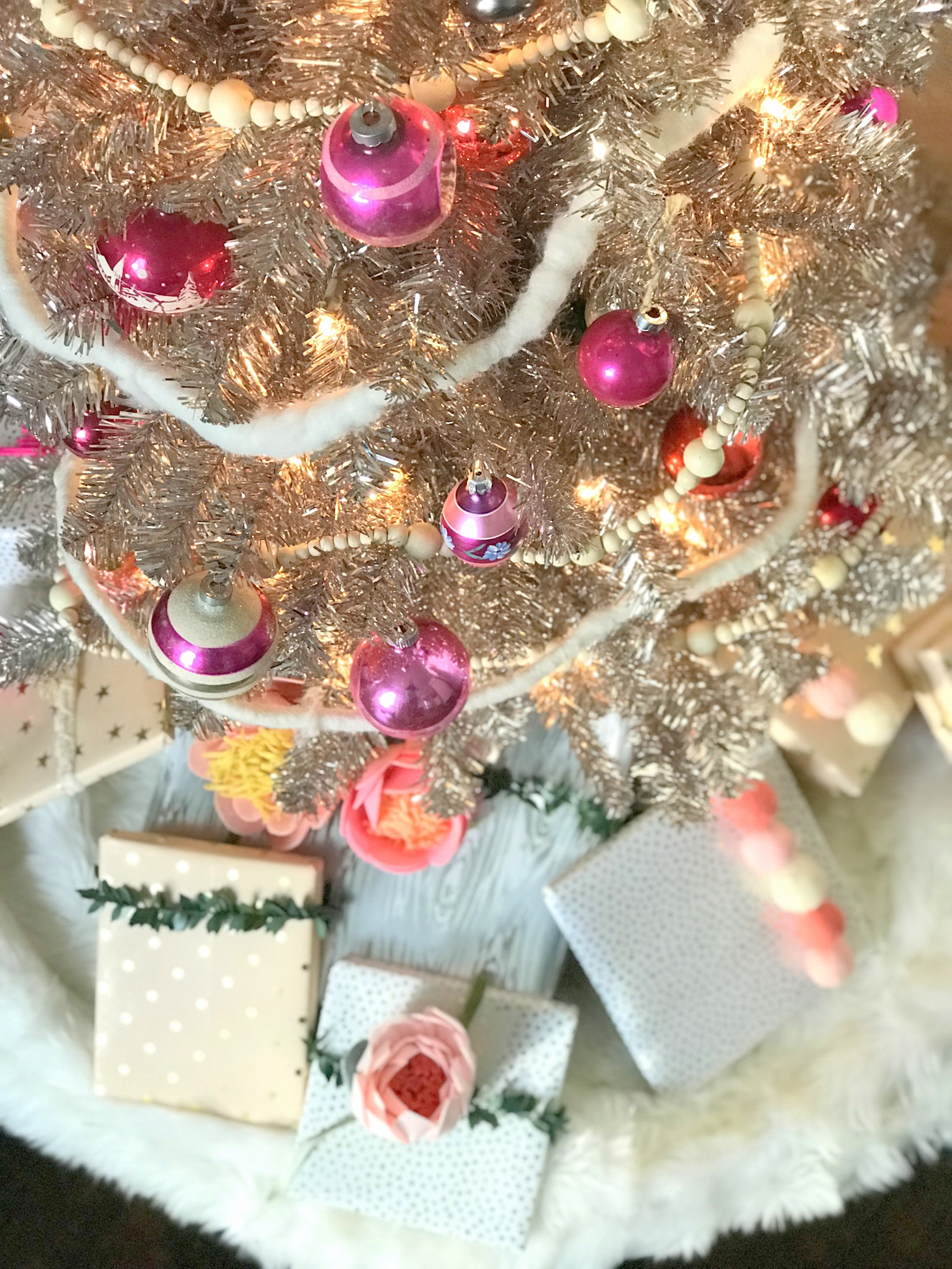 the prettiest gift wrap ideas- nine gorgeous present toppers