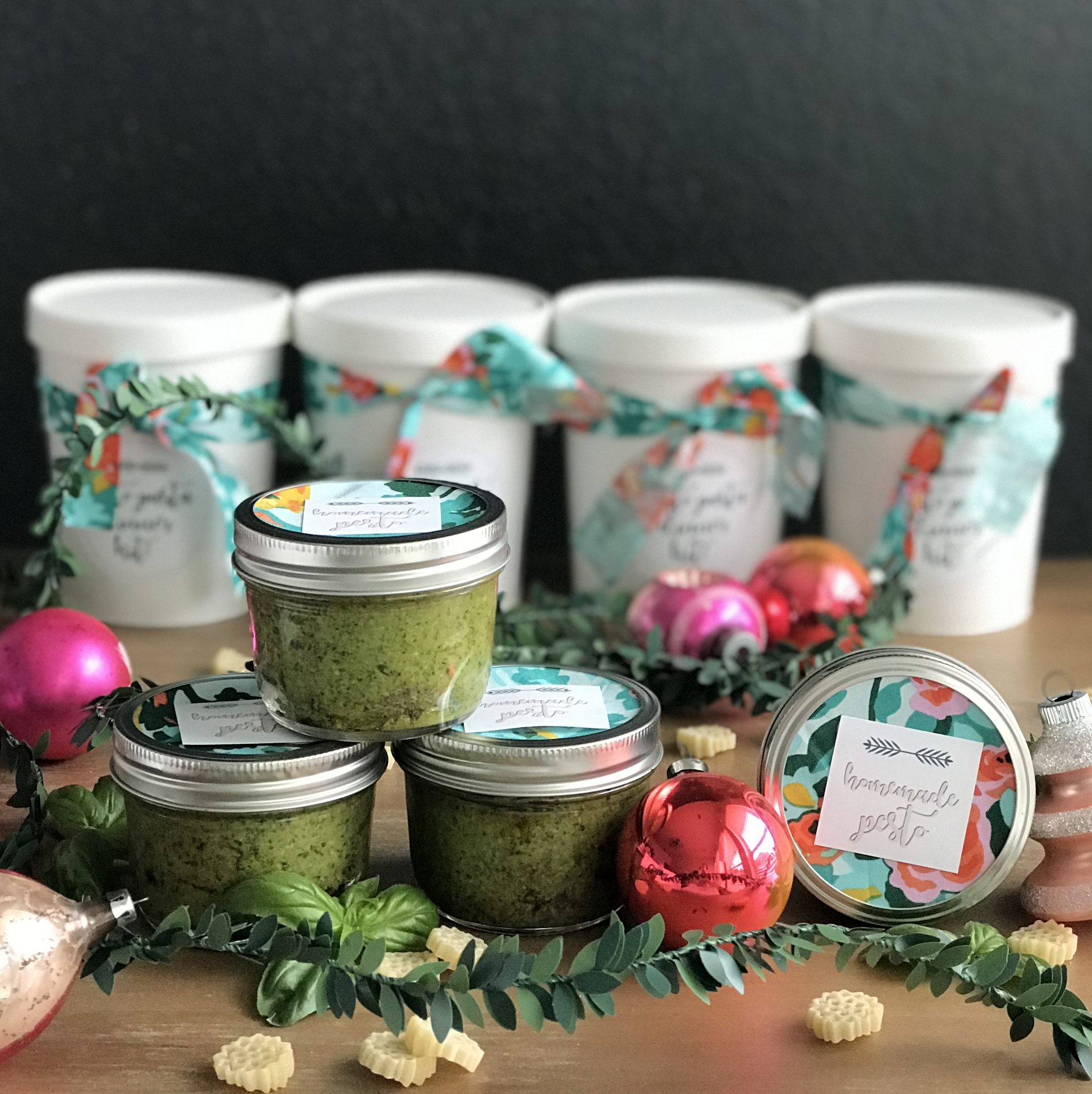 edible Christmas gift idea- pesto pasta dinner kit