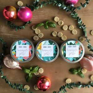 edible christmas gift idea- pesto pasta dinner kits