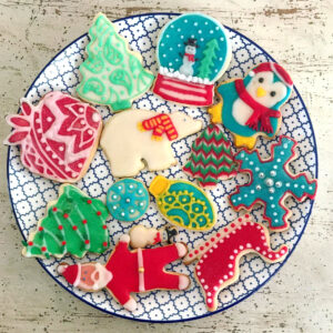 how to make the best decorated sugar cookies (decorating tips from a pro!)