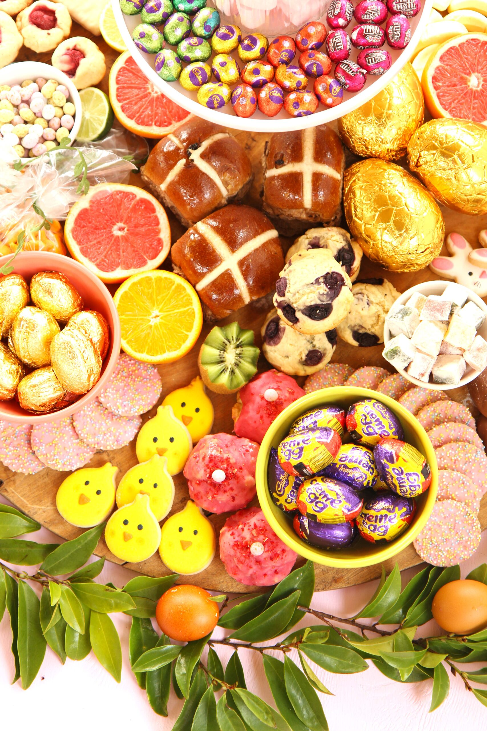 easter_dessert_grazing_board