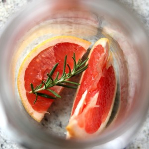 detox water recipe- grapefruit rosemary water