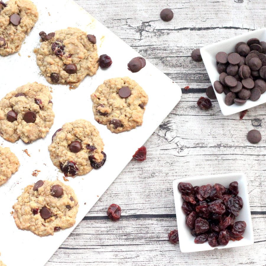 the most delicious oatmeal cookie recipe (with dark chocolate and tart cherries)