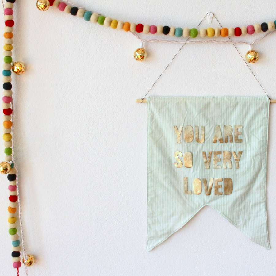 DIY flag banner (easy to customize, even easier to put together!)
