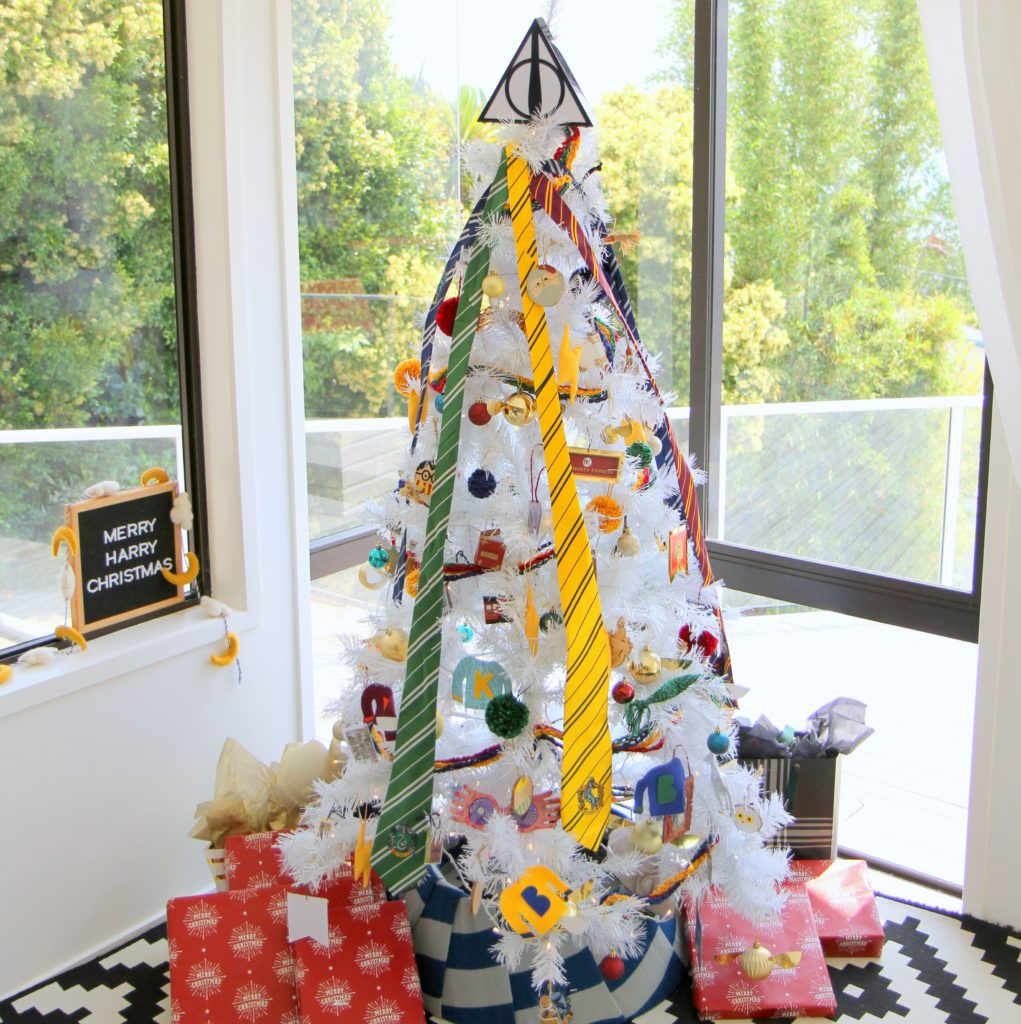 Harry Potter Christmas tree (and tons of DIY Harry Potter ornament ideas!)